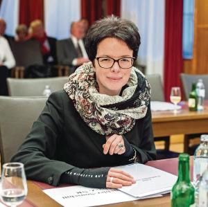 © Foto: Franz Baldauf , 20.02.2015 , Wiener Neustadt , Konstituierende Sitzung des Wiener Neustädter Gemeinderates , Mitglied Grüne Gemeinderat , Tanja Windbüchler - Souschill ( Grüne Wiener Neustadt )